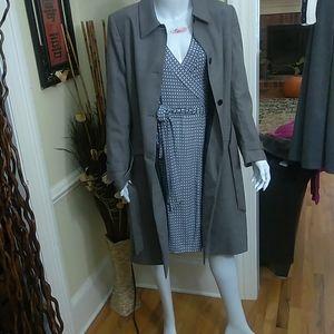 Kasper Ladies 4 button trench coat